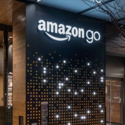 amazon a metà fra online e offline con amazon go